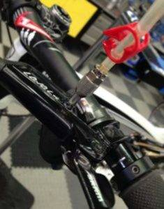SRAM-brakes-–-just-the-lever