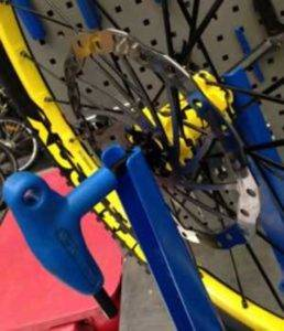 The-bolt-through-truing-stand-trick
