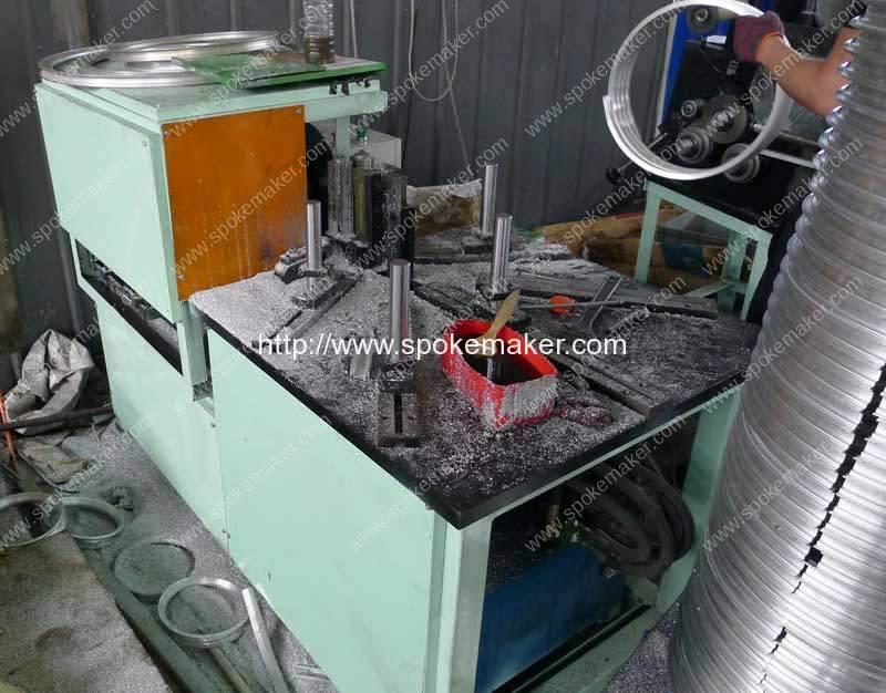 Aluminium-Wheel-Rim-Saw-Cutting-Machine